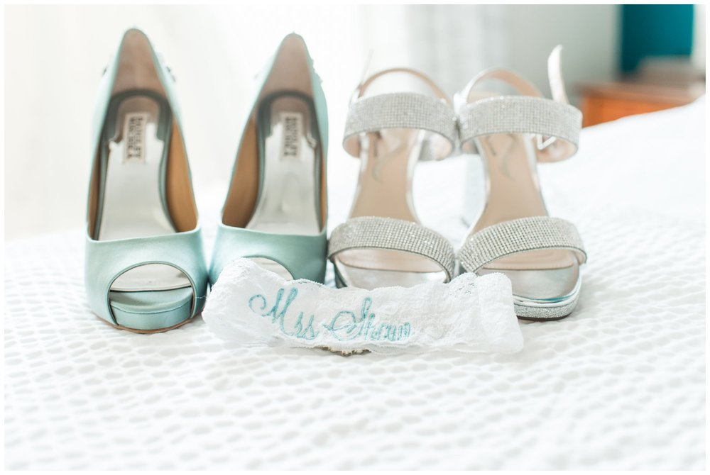 bridal badgley mischka shoes and lace garter something blue