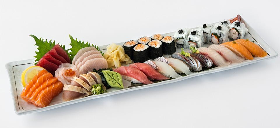 blue_ribbon_sushi_bar_carousel_02.jpg