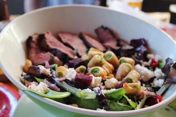 ©tigerrulezzz photography Steak Salad at Beachwood Brewing