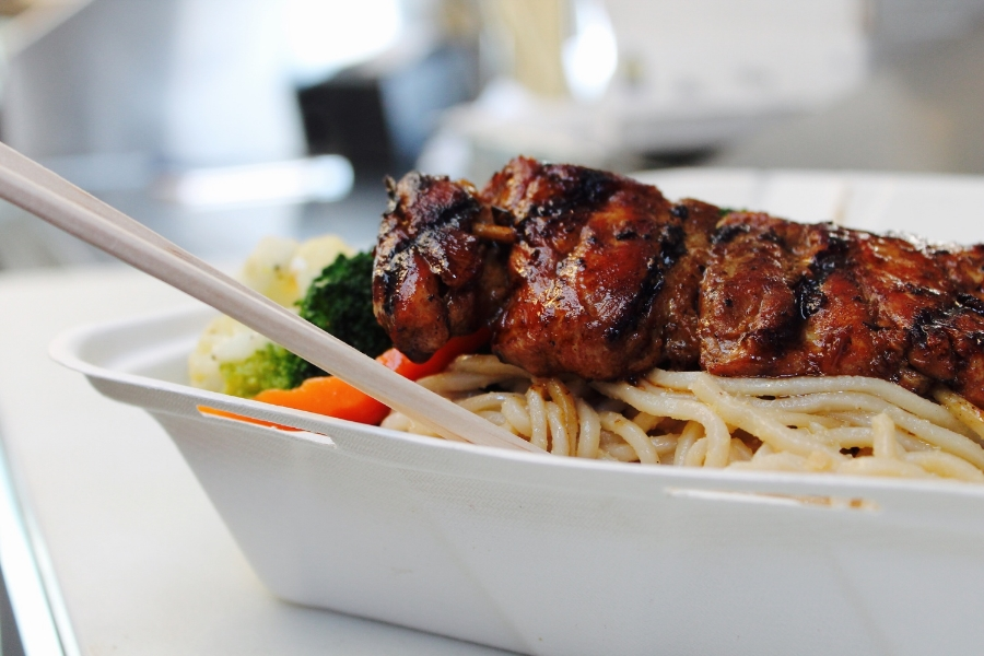 ©tigerrulezzz photography An the Go's Five-Spice Pork Skewer with their famous Garlic Noodles