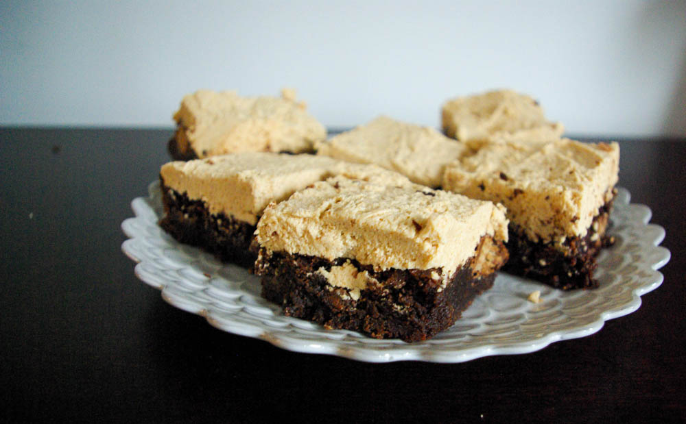 Kit Kat Brownies   www.thebatterthickens.com
