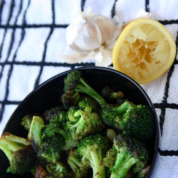 Easy Lemon-Garlic Broccoli