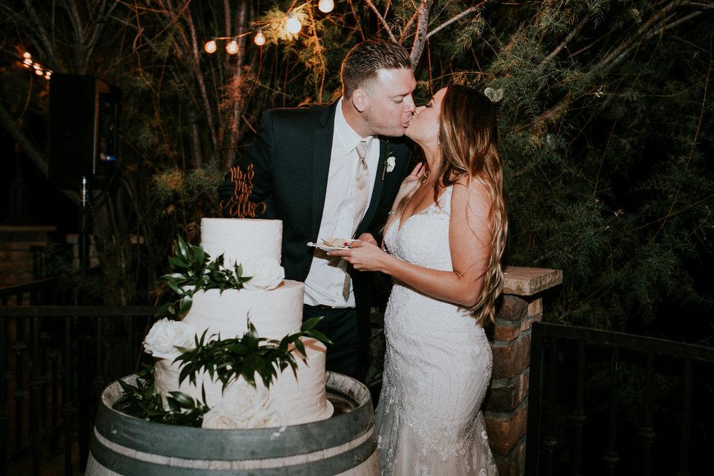 jacquelyn&matt_married_218052.jpg