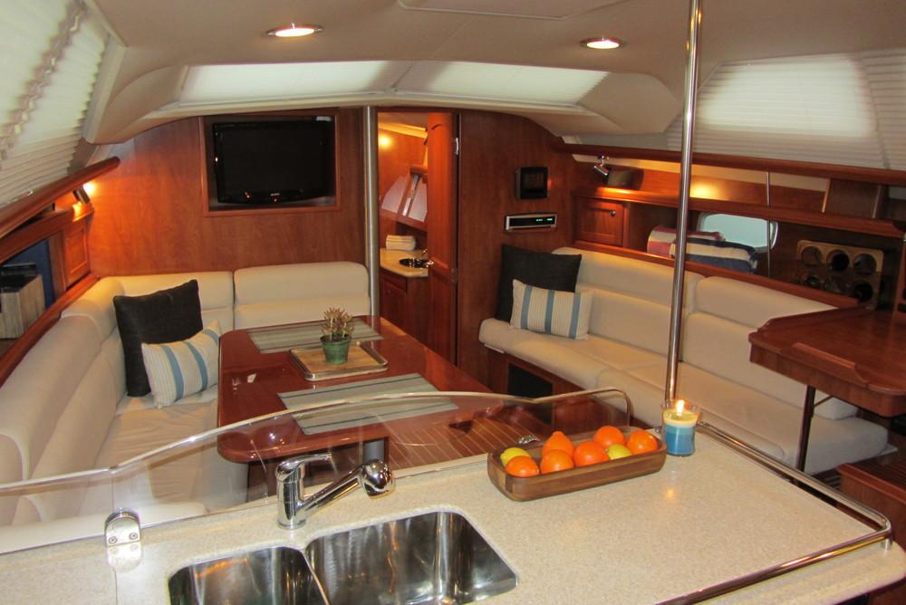 San Diego Luxury Sailing salon