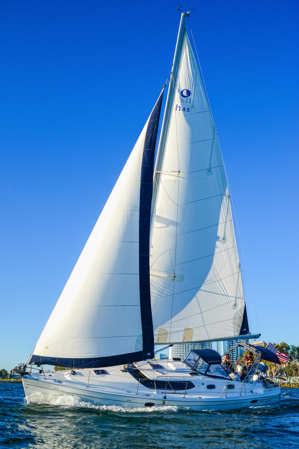 private-luxury-sailing-tours.jpg