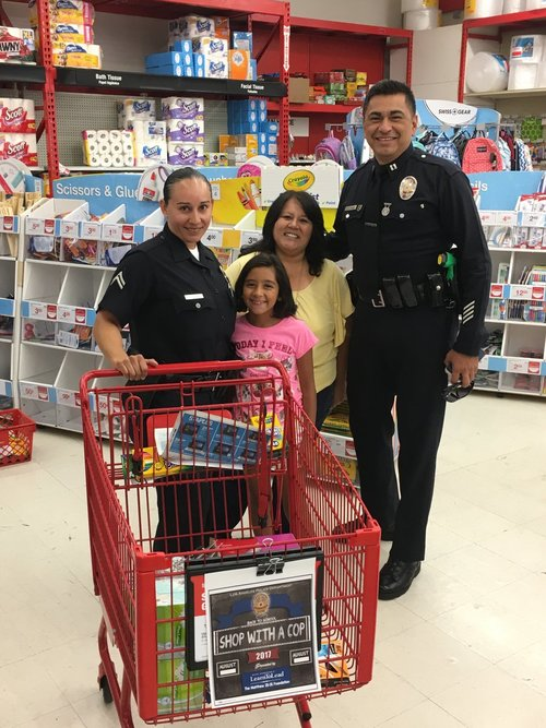 LAPD Ramona Gardens Shop with a Cop Back to School