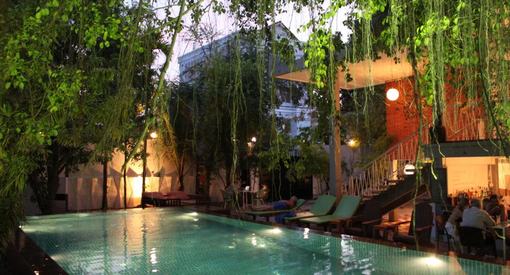 pool-night-frontpge