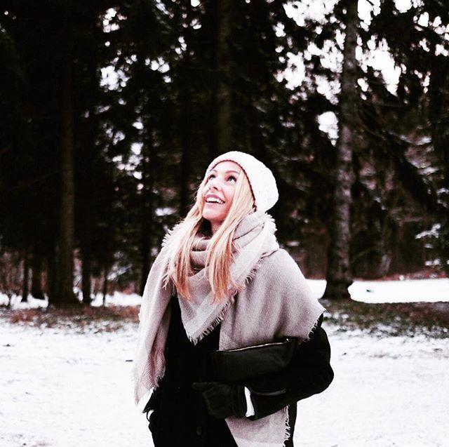 Snow days. Source of wonder to us beach raised girls. ❄️