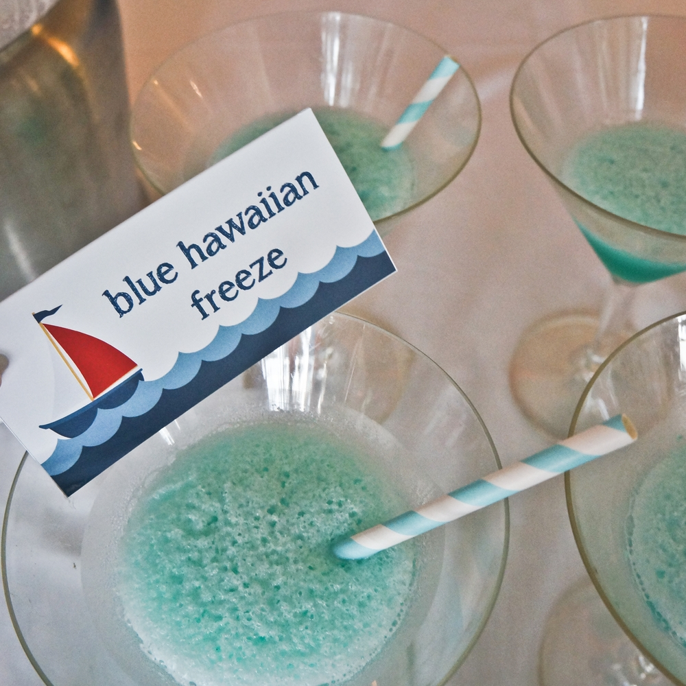blue hawaiian freeze cocktail