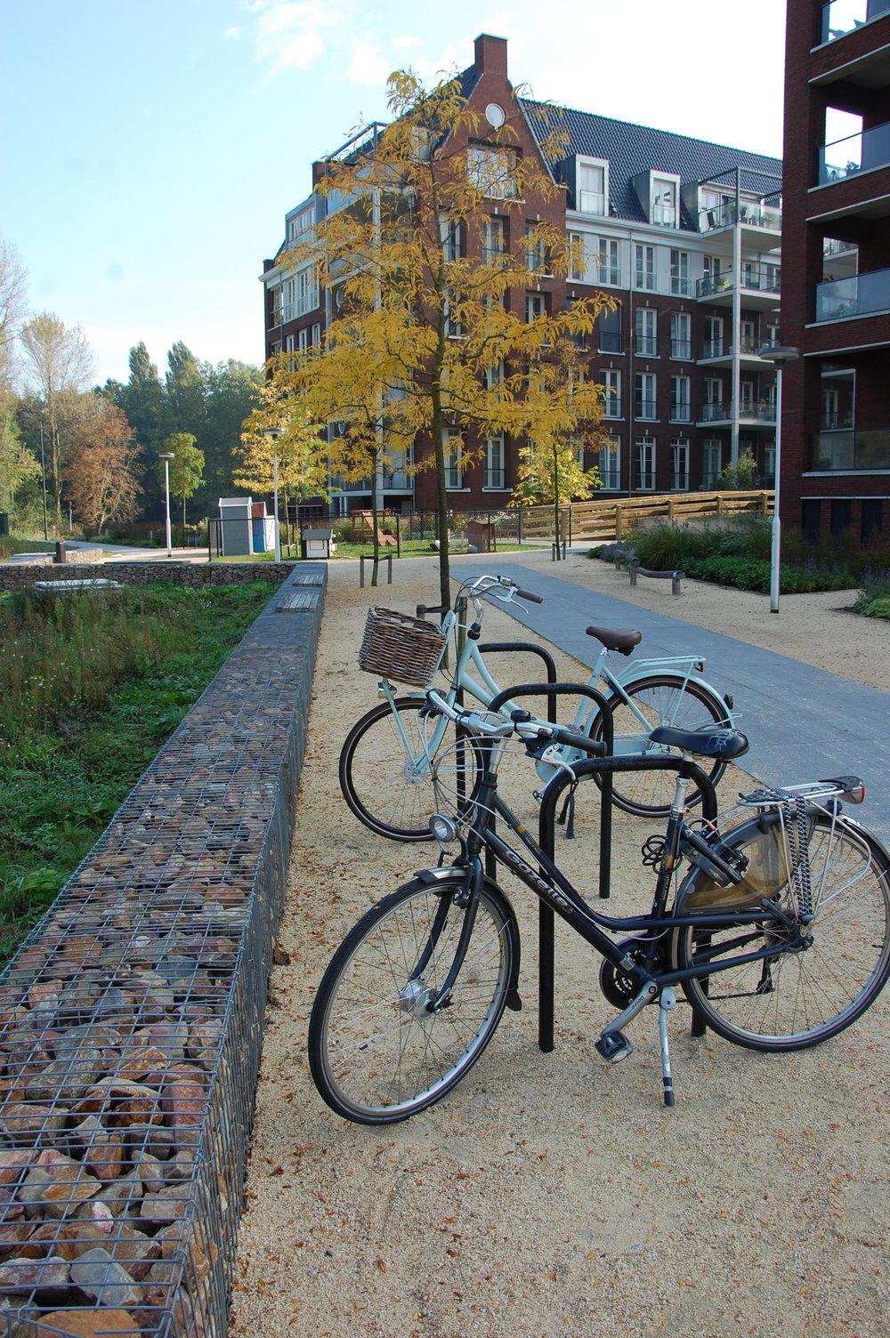 fietsenstalling bij entree park leyhoeve tilburg