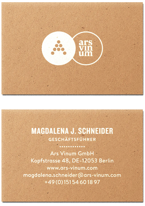 ↑  Business cards: silkscreen print on 450gr kraftpapier