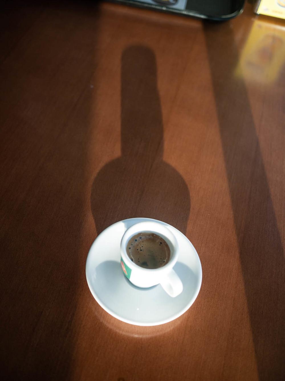 café bien noir