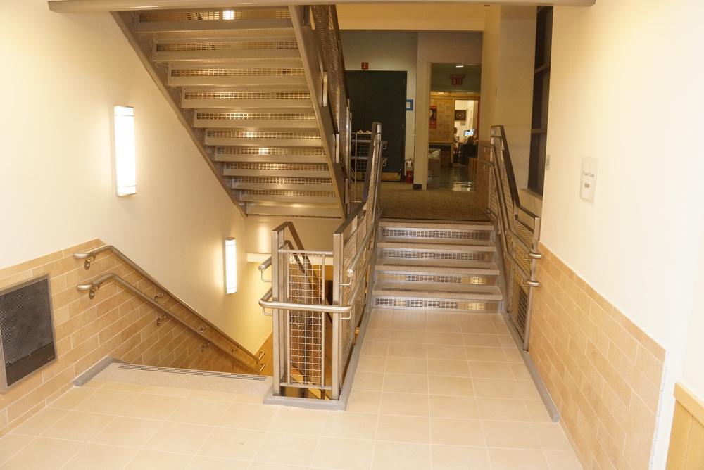 Staircase 40 East 3.JPG