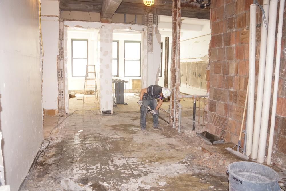 3 floor hallway 2a.JPG