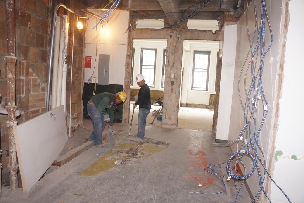 4 hallway 2.JPG