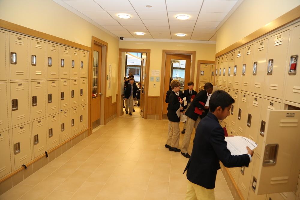 4 hallway 3b.JPG