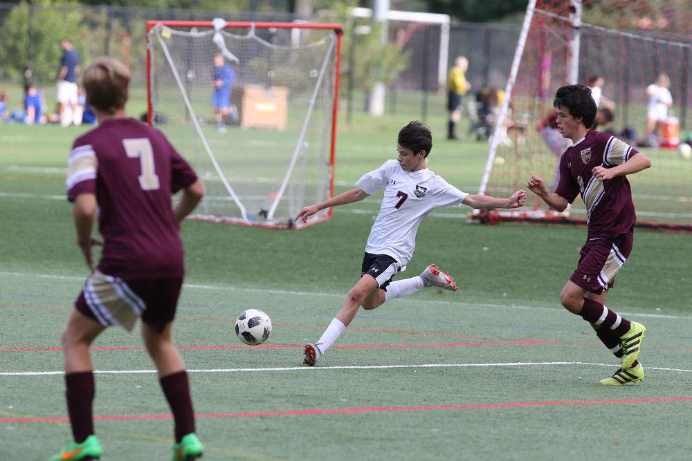 Browning Varsity Soccer 092418-Al Pereira (153).JPG