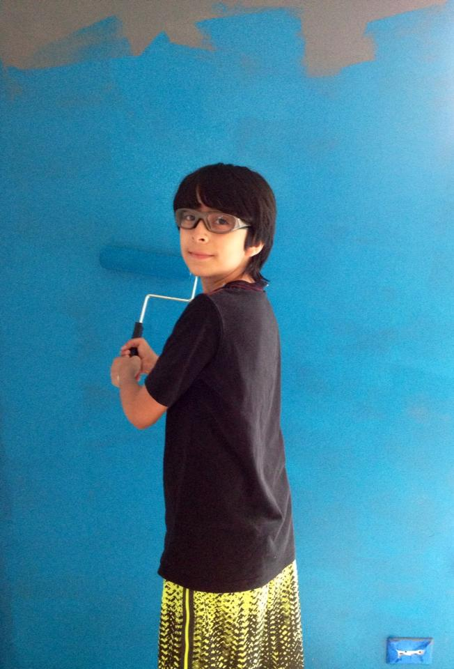 Danny goes to down with the first coat of the incredible Blue Mosque color!