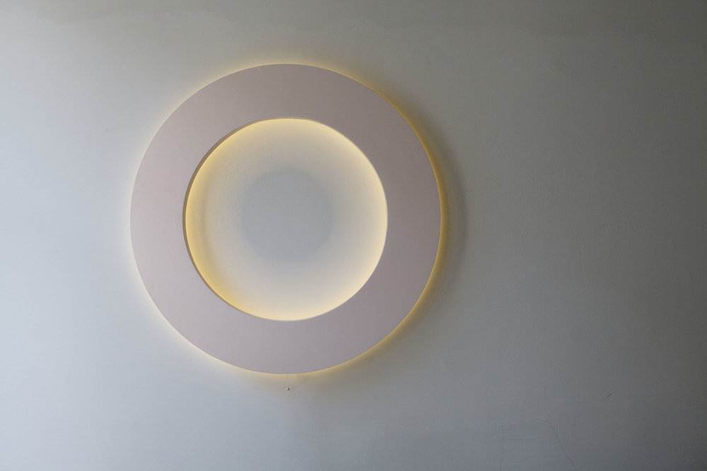 WALL LIGHT CONTOUR  LED, CUSTOMIZE COLOUR AND SIZE,  FARROW & BALL CALAMINE AND DIAMETER 120CM STANDARD