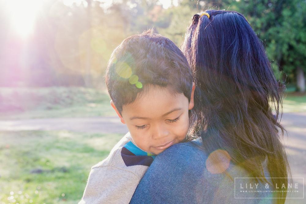 LilyandLane_VictoriaBC_FamilyPhotographer.jpg