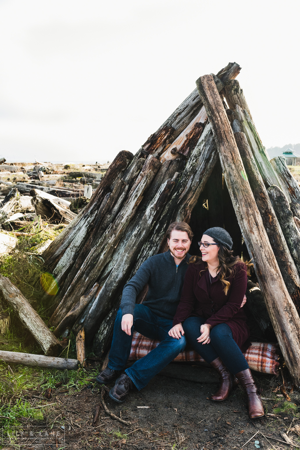 Nicola_Reiersen_Wedding_Photographer_Victoria_BC_Beach_Engagement.jpg