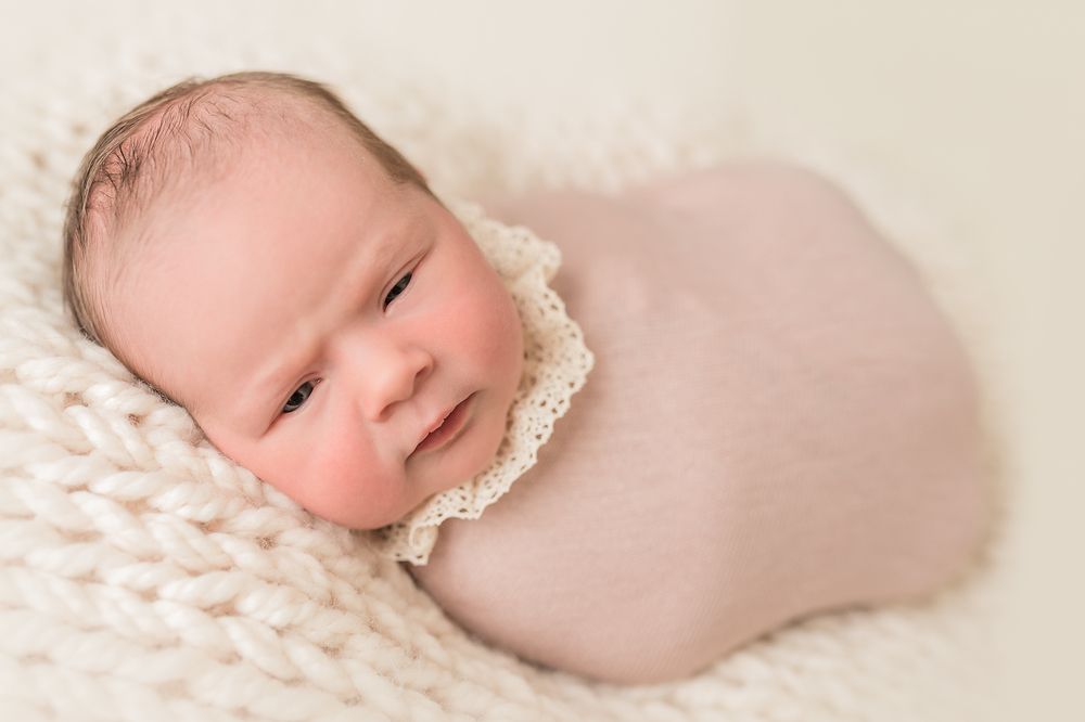 Lily_and_Lane_Victoria_BC_Newborn_Photographer-17.jpg