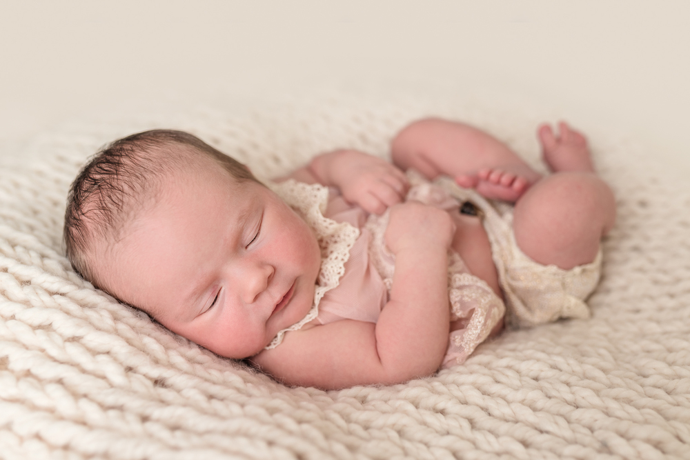 Lily_and_Lane_Victoria_BC_Newborn_Photographer-22.jpg