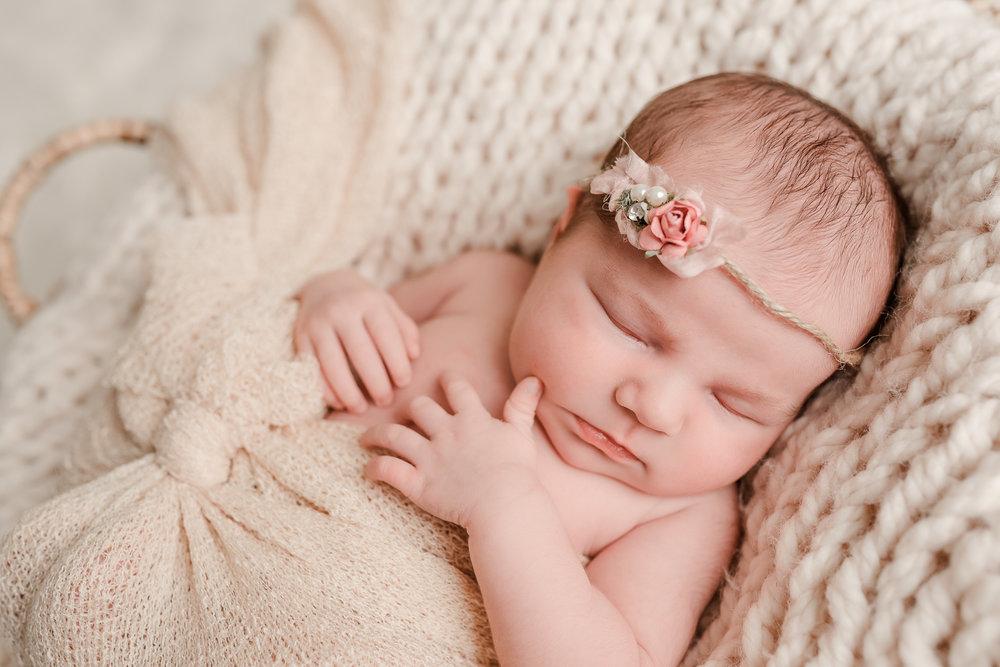 Nicola_Reiersen_Photography_Newborn_Photographer_Victoria_BC.jpg