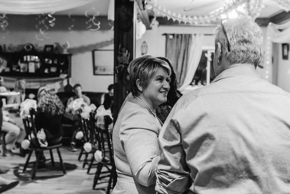 Nicola_Reiersen_Photography_Intimate_Home_Wedding (3).jpg