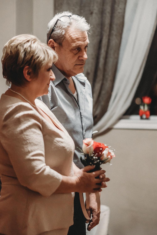 Nicola_Reiersen_Photography_Intimate_Home_Wedding (21).jpg