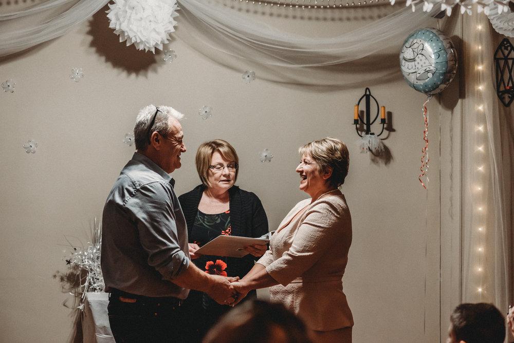 Nicola_Reiersen_Photography_Intimate_Home_Wedding (25).jpg