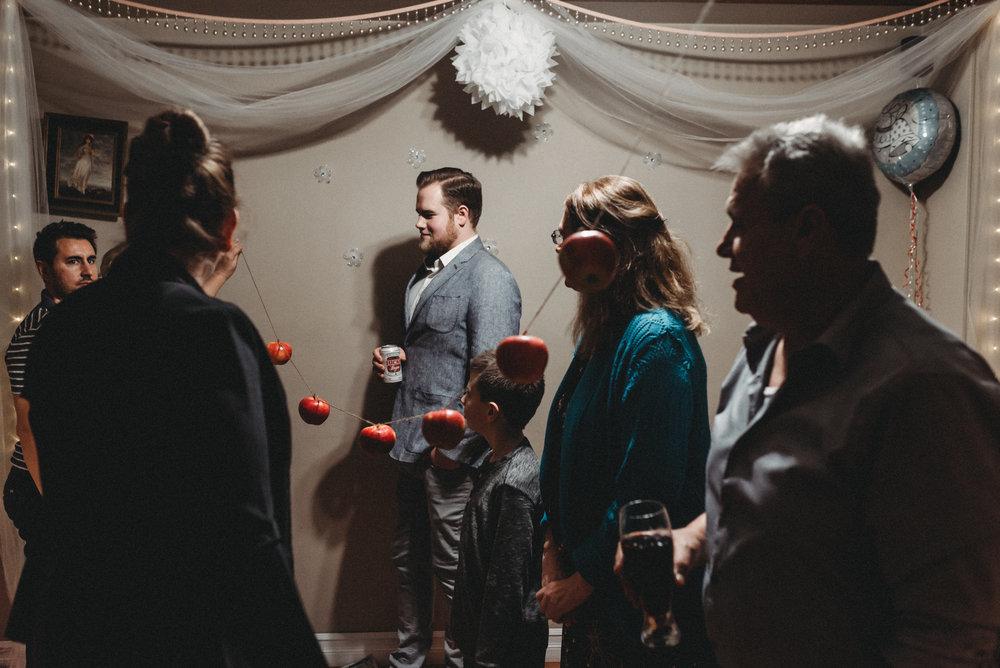 Nicola_Reiersen_Photography_Intimate_Home_Wedding (63).jpg