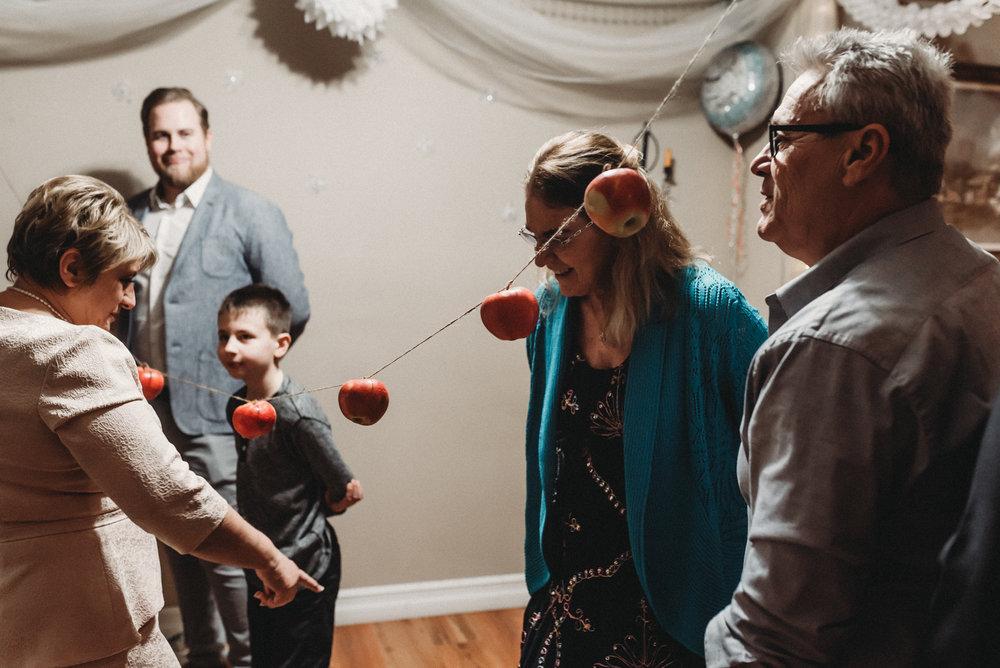 Nicola_Reiersen_Photography_Intimate_Home_Wedding (65).jpg