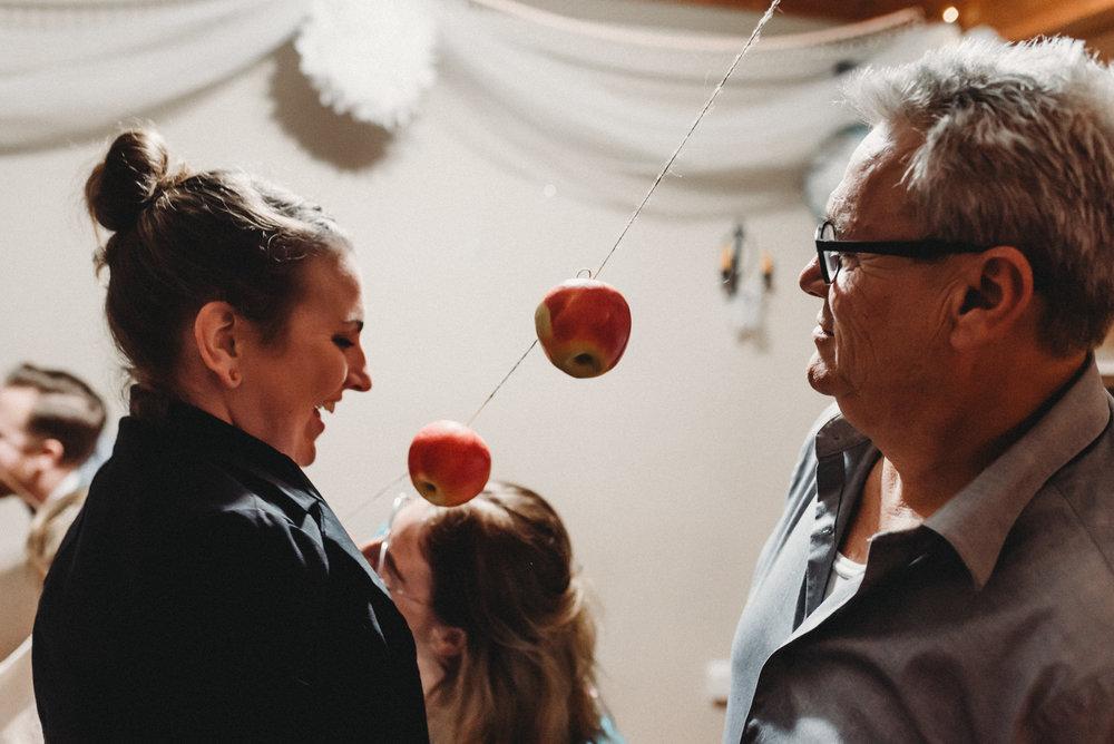 Nicola_Reiersen_Photography_Intimate_Home_Wedding (66).jpg