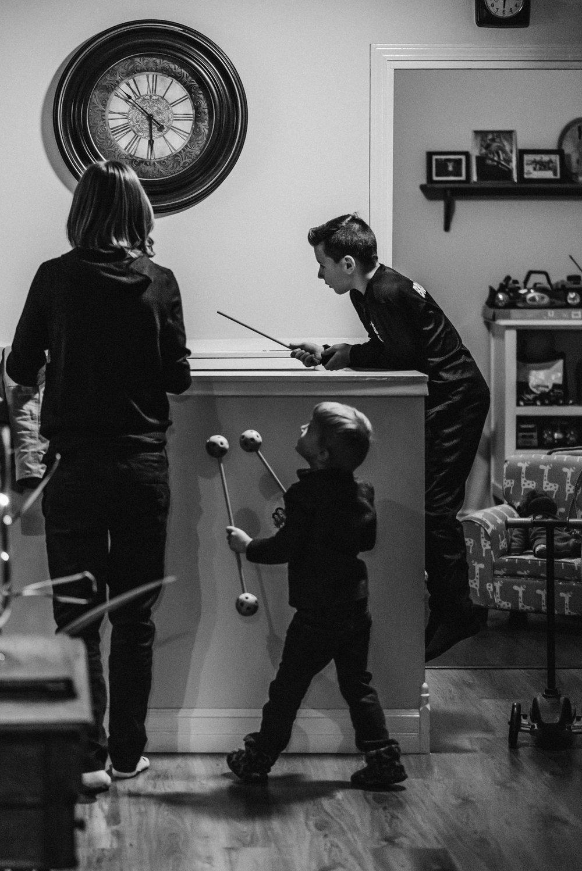 Nicola_Reiersen_Photography_Black_and_White_Home_Wedding (5).jpg