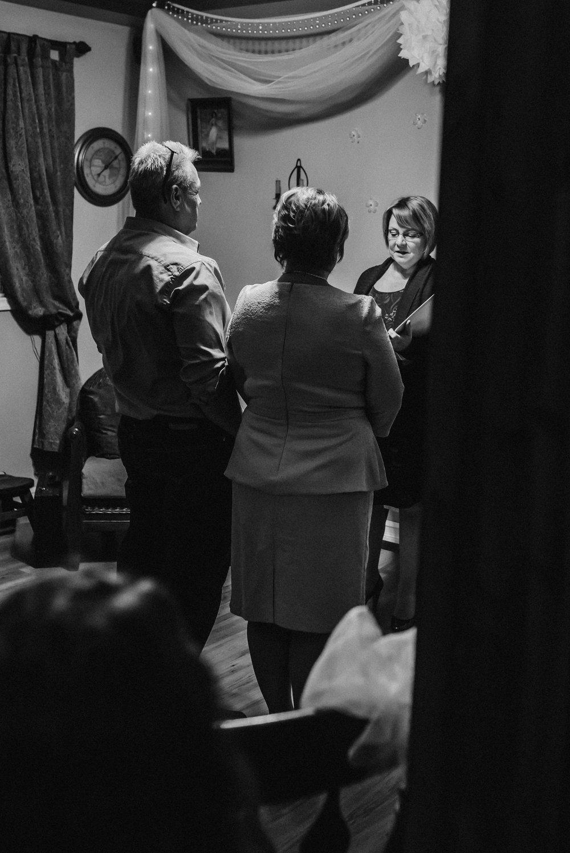 Nicola_Reiersen_Photography_Black_and_White_Home_Wedding (11).jpg