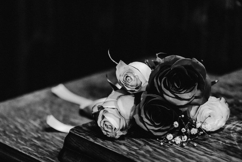 Nicola_Reiersen_Photography_Black_and_White_Home_Wedding (26).jpg