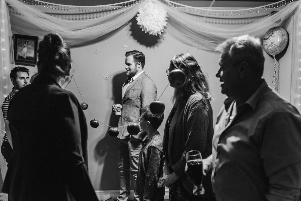 Nicola_Reiersen_Photography_Black_and_White_Home_Wedding (29).jpg