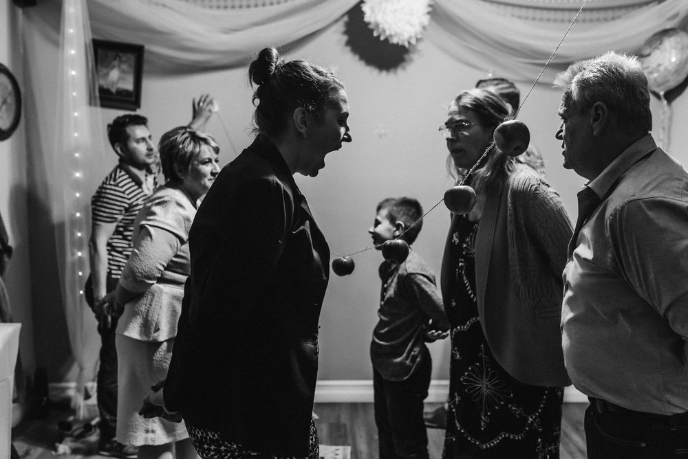 Nicola_Reiersen_Photography_Black_and_White_Home_Wedding (30).jpg