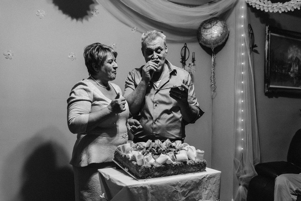 Nicola_Reiersen_Photography_Black_and_White_Home_Wedding (39).jpg