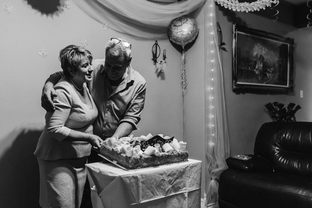 Nicola_Reiersen_Photography_Black_and_White_Home_Wedding (41).jpg