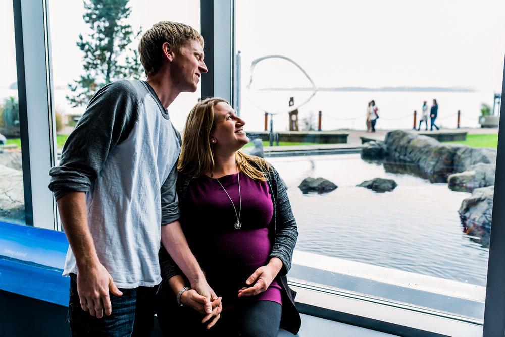 Nicola_Reiersen_Photography_Victoria_BC_Aquarium_Maternity_Session (154).jpg
