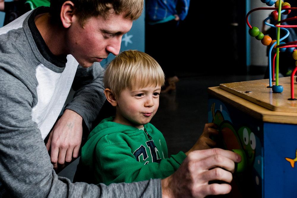 Nicola_Reiersen_Photography_Victoria_BC_Aquarium_Maternity_Session (170).jpg