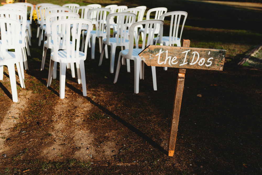 Goldstream_Fall_Wedding_Nicola_Reiersen_Photography_Victoria_BC-14.jpg