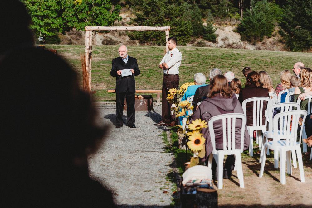 Goldstream_Fall_Wedding_Nicola_Reiersen_Photography_Victoria_BC-56.jpg