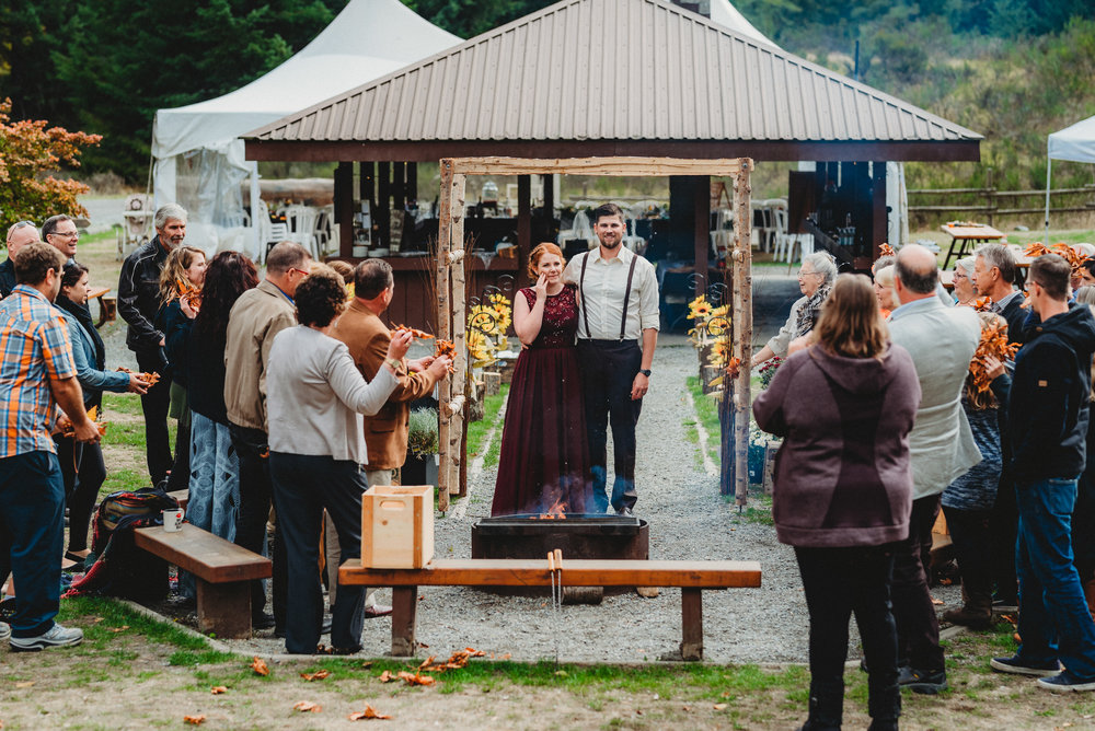 Goldstream_Fall_Wedding_Nicola_Reiersen_Photography_Victoria_BC-156.jpg