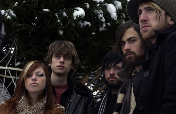 The emberghost lineup at the height of its glory. From left: Departed singer/keyboardist Sarah Jennings, drummer David Lindsey, bassist Daniel Alden, guitarist Sean Cochran, and singer/guitarist Dainéal Parker.