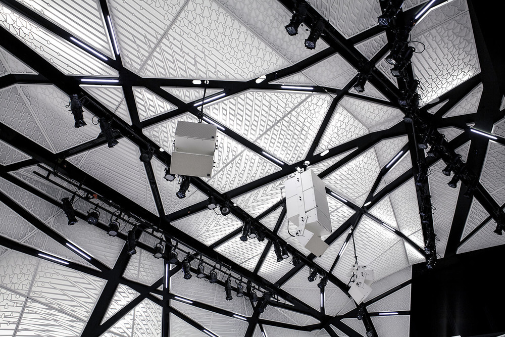 National Sawdust by Bureau V | Interior Chamber Hall Photograph - ceiling detail