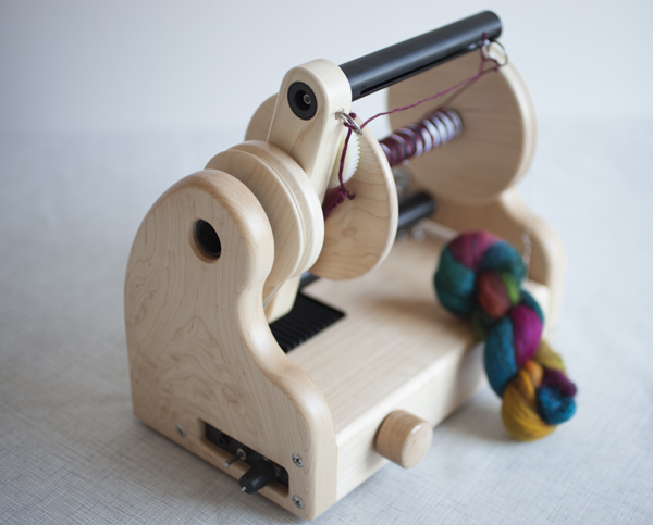 Hansencrafts miniSpinner - Maple wood with Woolee Winder.