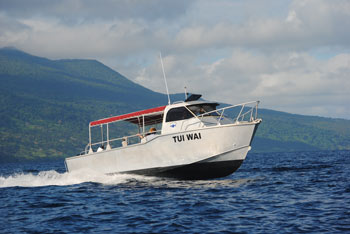 Tui-Wai-Diveboat-Taveuni-Dive.jpg